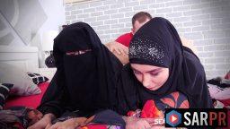 Lezbiyen arap kadınlar sevişirken yakalandı