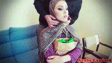 Boyun Masajı İle Azan Amatör Arap Kadınla Porno