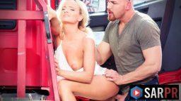 Kel kamyoncu otoparkta hayat kadınını sikti