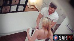 Masaj salonundaki gizli kamerada seks