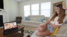 Ev arkadaşıyla porno izlerken azdı