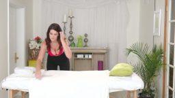 Lezbiyenlerden masaj salonunda özel anlar