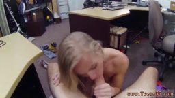 Ofiste sarışın sekreterle amatör seks